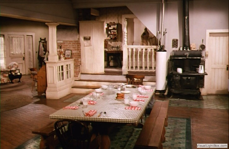 waltons sets structures locations